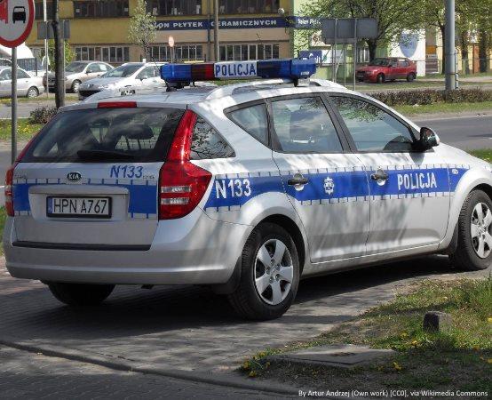 Policja Świętochłowice: Świętochłowiccy dzielnicowi wraz z uczniami z ZSO w Świętochłowicach na podium